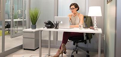Espacio de oficina privado con una ventana, disponible en todos los centros