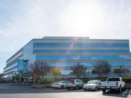 建筑位于Campbell900 E. Hamilton, Suite 100 1