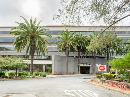 建筑位于San Rafael4040 Civic Center Drive, Suite 200 1