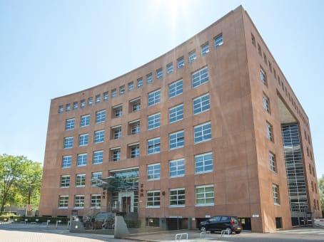 建筑位于UtrechtNewtonlaan 115, ZEN Building 1