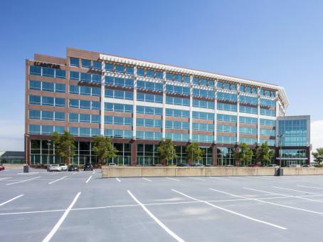 建筑位于Lisle3333 Warrenville Road, Central Park of Lisle, Suite 200 1