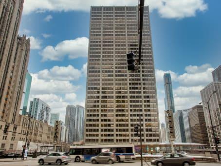 建筑位于Chicago401 North Michigan Avenue, Suite 1200 1