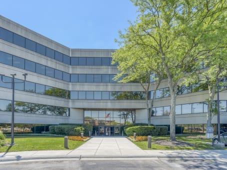 建筑位于Northbrook5 Revere Drive, Suite 200 1