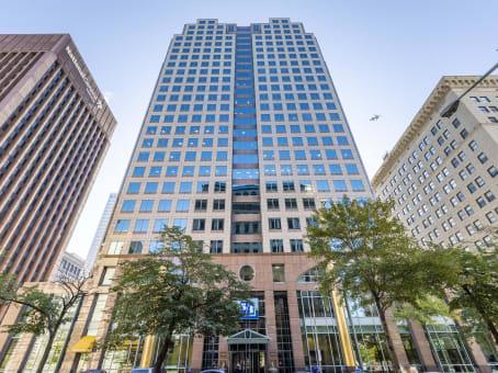 建筑位于ClevelandFifth Third Building, 600 Superior Avenue East 1