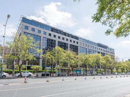 建筑位于北京市亮马桥路50号, 燕莎中心写字楼C203, 朝阳区 1