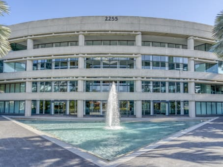 Établissement situé à 2255 Glades Road, Suite 324A à Boca Raton 1