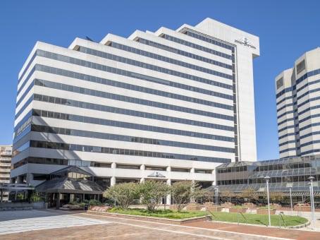 建筑位于Bethesda3 Bethesda Metro Center, Bethesda Metro, Suite 700 1