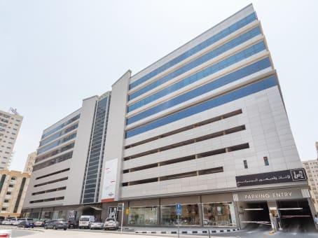 建筑位于SharjahMegamall Tower Plot 260, Bu Daniq, Al Qassimia 1