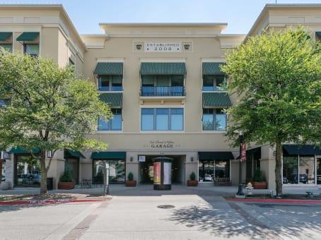 建筑位于Allen825 Watter's Creek Boulevard, Building M, Suite 250 1