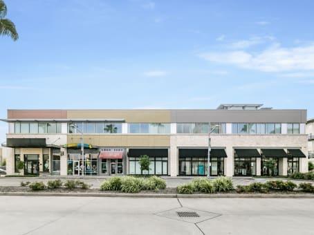 建筑位于Pearland11200 Broadway, Suite 2743 1