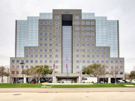 Building at 15851 Dallas Parkway, Suite 600 in Addison 1
