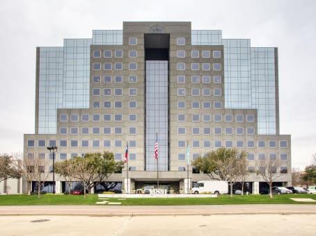 建筑位于Addison15851 Dallas Parkway, Suite 600 1