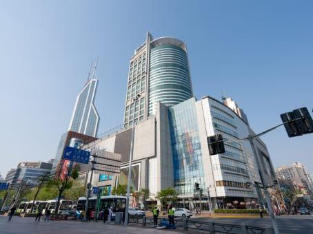 建筑位于上海市西藏中路268号, 来福士广场51楼, 黄浦区 1