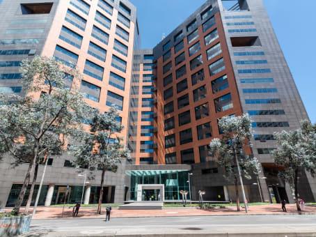 建筑位于BogotaCarrera 7 No. 71 – 21, Torre B, Pisos 13 y 15 1