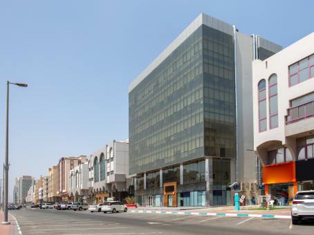 建筑位于Abu DhabiAl Arjan Building, Mezzanine, 1st, 2nd, 3rd & 4th Floor, Defense Road 1