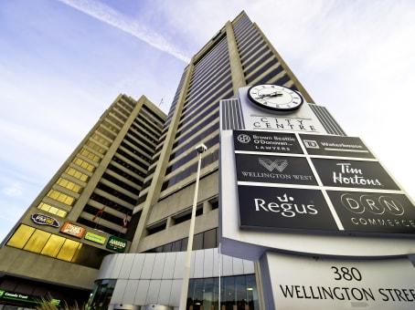 建筑位于London380 Wellington Street, Tower B, 6th Floor 1