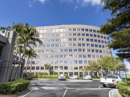 建筑位于MiamiWaterford Business Park, 5201 Blue Lagoon Drive, 8th Floor & 9th Floor 1