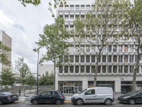 Building at 37-39 Avenue Ledru Rollin, CS11237 in Paris 1