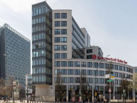 Building at Millerntorplatz 1, 6th Floor in Hamburg 1