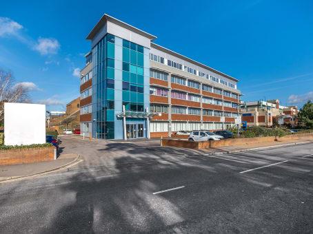 建筑位于CrawleyThe Pinnacle, 3rd floor, Station Way 1
