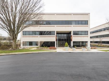 建筑位于Blue Bell325 Sentry Parkway, Building 5 West, Suite 200 1