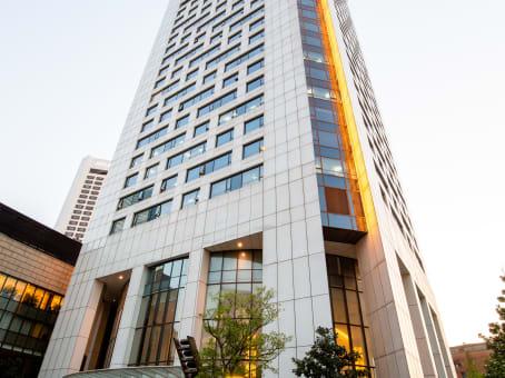 建筑位于南京市汉中路2号, 亚太商务楼8层, 鼓楼区 1