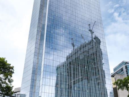 建筑位于ManilaMakati Ave. Corner Paseo de Roxas, 20/F, Zuellig Building, Makati City, Metro Manila 1