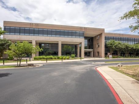 建筑位于Austin6500 River Place Boulevard, River Place Building 7, Suites 250 1
