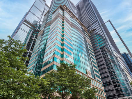 建筑位于香港柏克大厦24楼, 华兰路25 号, 鲗鱼涌 1
