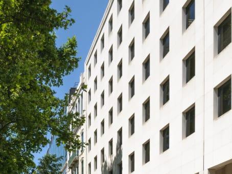 建筑位于LisbonAvenida da Liberdade, 110 1