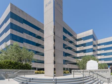 建筑位于Encino16501 Ventura Boulevard, Encino Corporate Center, Suite 400 1