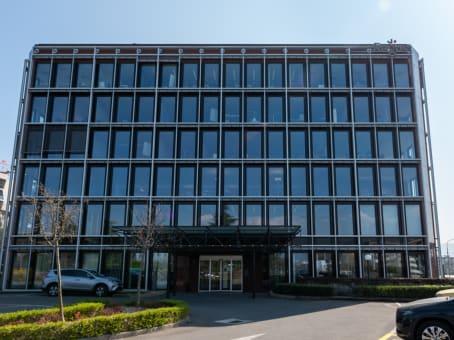 建筑位于Genève5th & 6th floor, Avenue Louis-Casaï 18 1