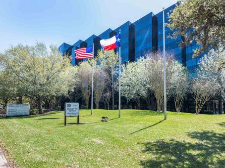 Prédio em 16225 Park Ten Place, Energy Corridor, Suite 500 em Houston 1