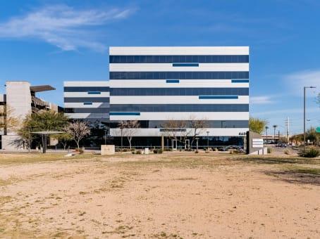 建筑位于Phoenix4600 East Washington, Suite 300 1