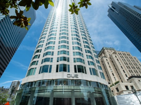 Building at 633 West Fifth Street, Downtown Los Angeles, 26th and 28th Floor in Los Angeles 1
