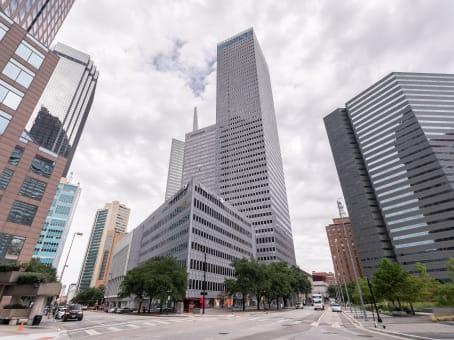 建筑位于Dallas325 North Street Paul Street, Dallas Downtown Historic District, Suite 3100 1