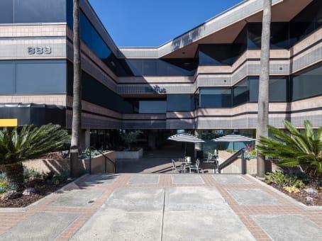 Building at 888 Prospect Street, Suite 200 in La Jolla 1