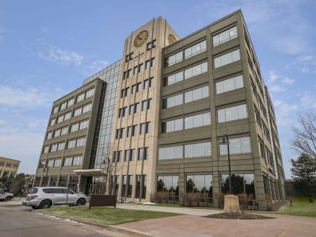 建筑位于Greenwood VillageCrescent VI, 8400 East Crescent Parkway 6th Floor 1