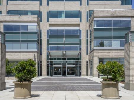 建筑位于Portland650 Northeast Holladay Street, Lloyd District, Suite 1600 1