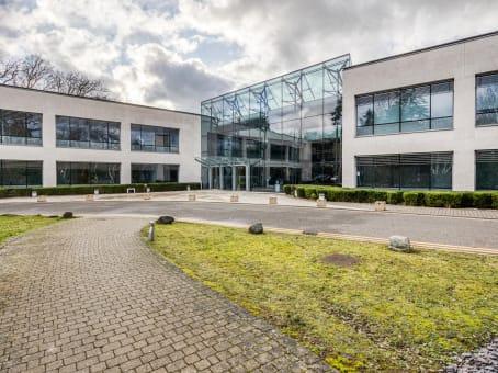 建筑位于Chertsey3000 Hillswood Drive, Hillswood Business Park 1