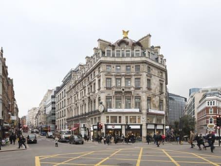 建筑位于London107-111 Fleet Street 1