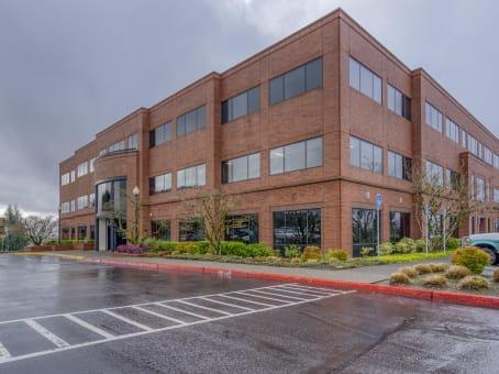 建筑位于Clackamas10121 Southeast Sunnyside Rd, Suite 300 1