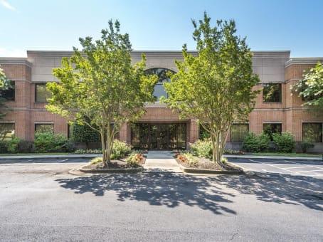 Gebäude in 2500 Regency Parkway in Cary 1