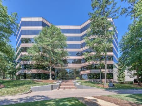 建筑位于Raleigh8601 Six Forks Road, Suite 400 1