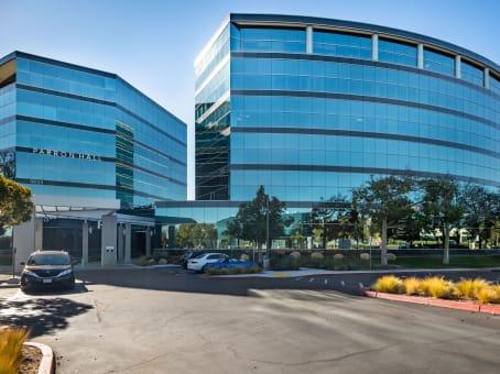 建筑位于San Diego9655 Granite Ridge Drive, Serra Nesa, Suite 200 1