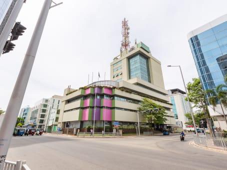 建筑位于ColomboMcLaren's Building, 2nd Floor, No 123, Bauddhaloka Mawatha 1
