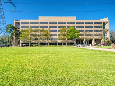 Building at 3663 N. Sam Houston Parkway East, Suite 600 in Houston 1