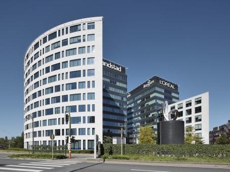 建筑位于Berchem-Sainte-Agathe-BerchemAvenue Charles-Quint / Keizer Karellaan 584, Bridge Building, 5th and 6th floor 1