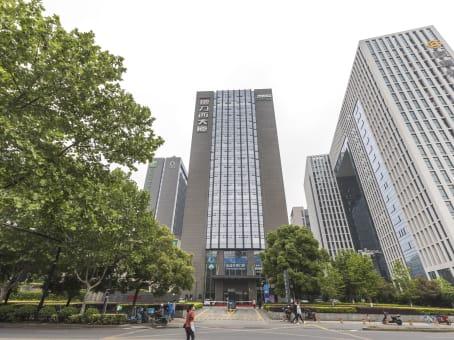 建筑位于杭州市学院路28号, 德力西大厦1号楼9楼, 西湖区 1
