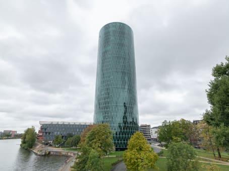 建筑位于FrankfurtWesthafenplatz 1, 10th + 11th Floor 1